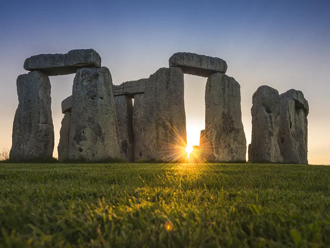 Nhung tang da o di tich Stonehenge duoc dung len voi muc dich gi?-Hinh-4
