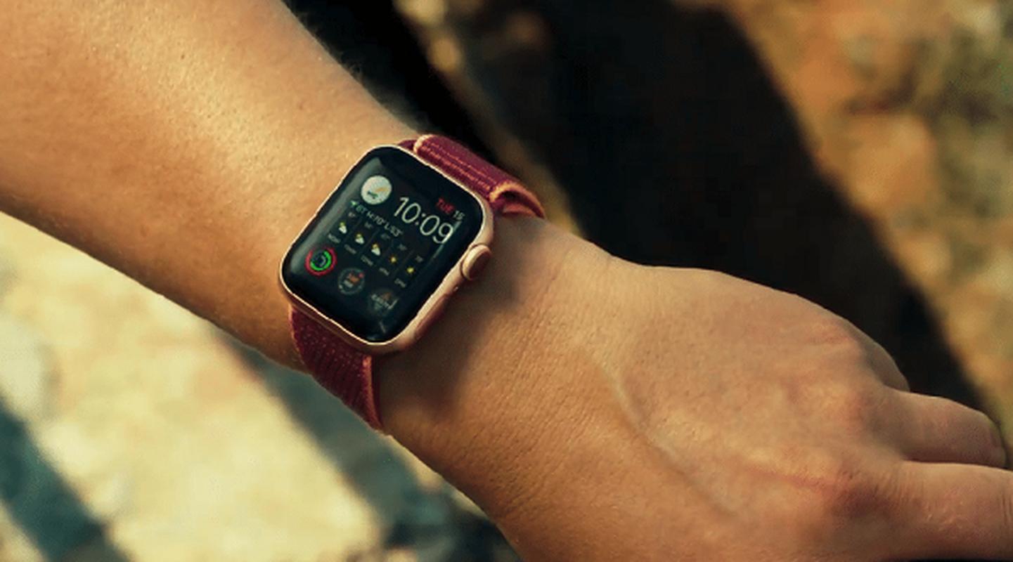 Apple Watch lai vua cuu song mot nguoi bi lu cuon troi-Hinh-6