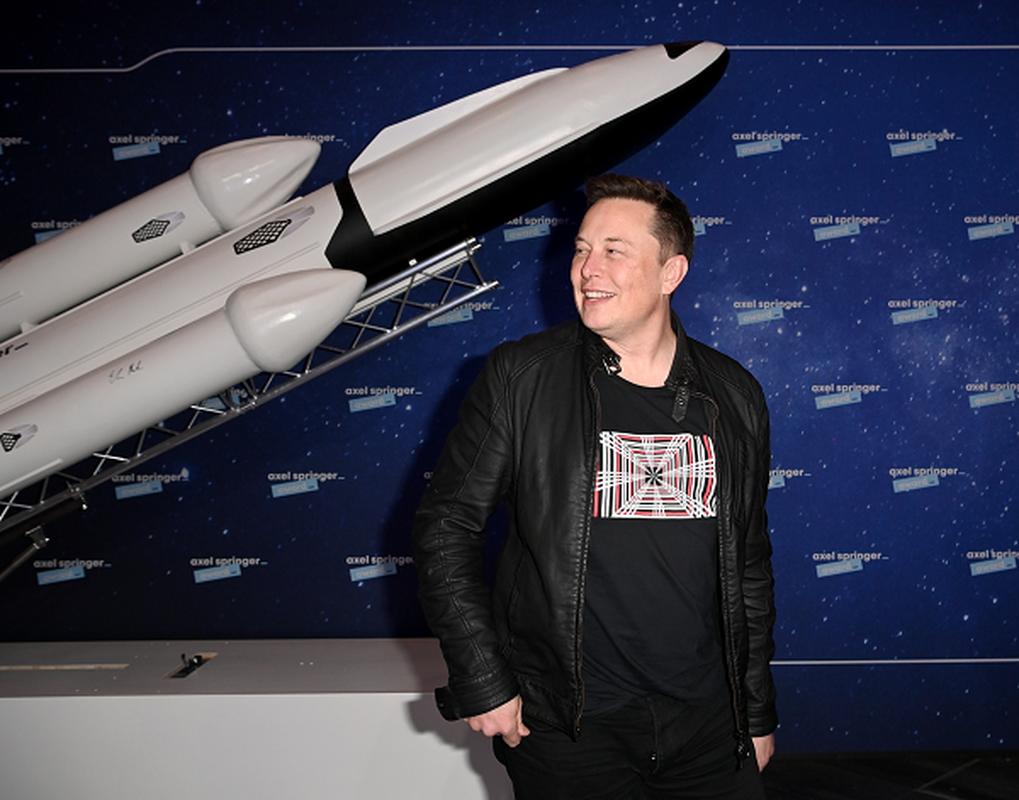 """Jeff Bezos va Elon Musk dang """"chay dua vu tru"""" vo cung gay can-Hinh-10"""