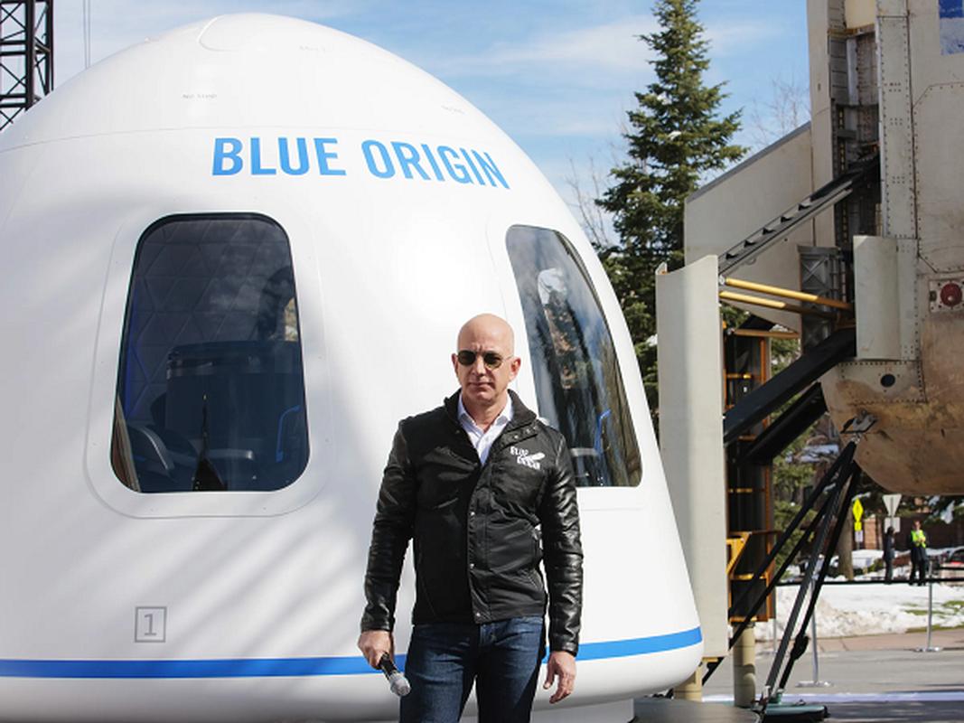 """Jeff Bezos va Elon Musk dang """"chay dua vu tru"""" vo cung gay can-Hinh-5"""