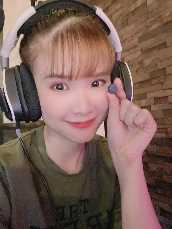 Khoi My, Ngo Kien Huy bong dung chuyen nghe sang lam streamer-Hinh-6