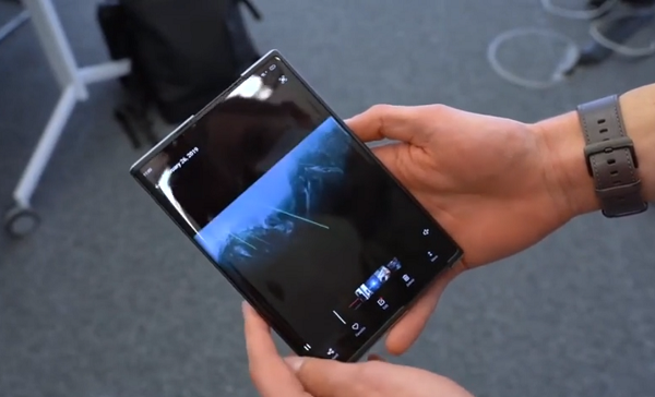 Smartphone man hinh cuon Oppo muot ma khien ai cung them-Hinh-12