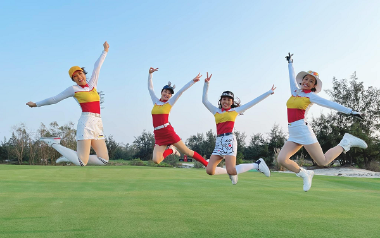 Golfer Ngoc Han van dep rang ngoi trong trang phuc khoe khoan-Hinh-10