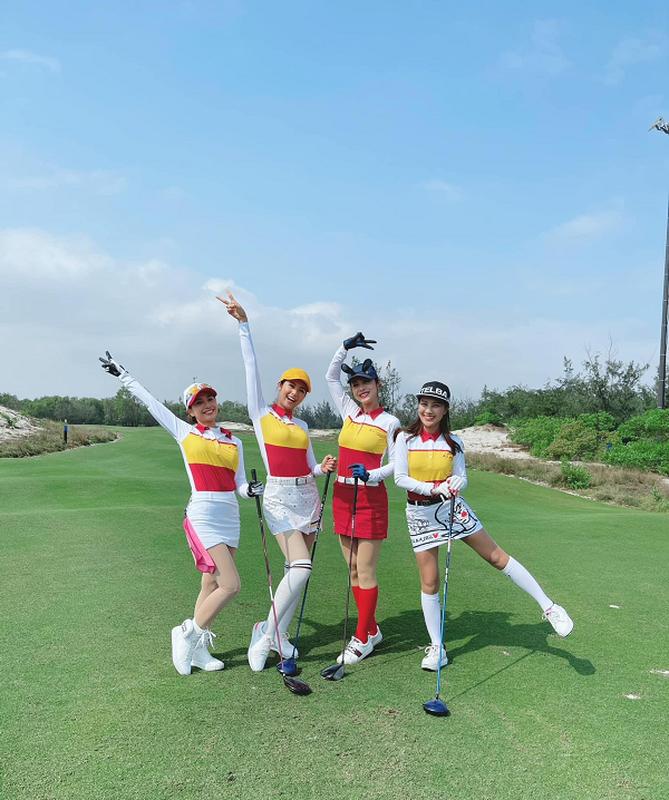 Golfer Ngoc Han van dep rang ngoi trong trang phuc khoe khoan-Hinh-5