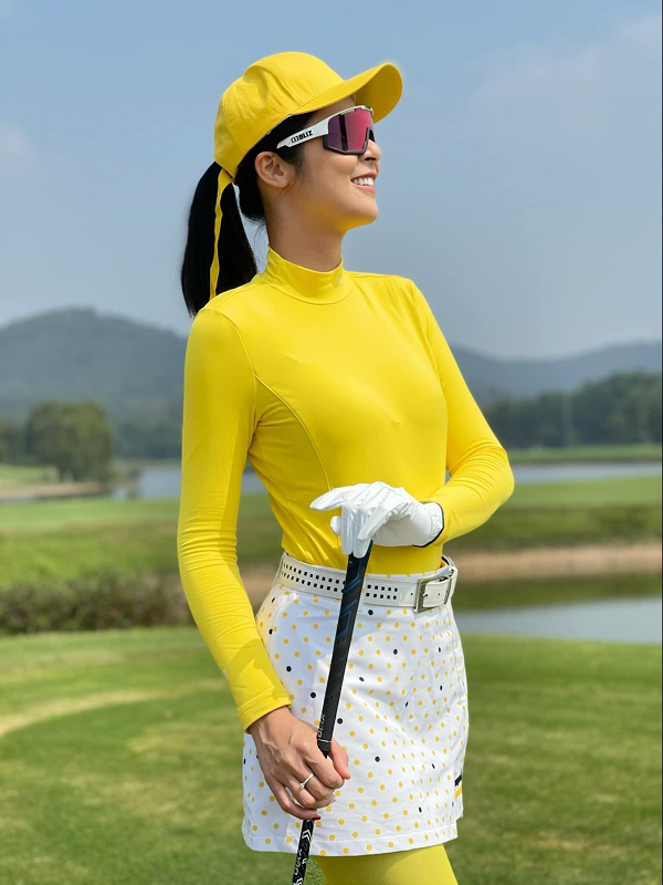 Golfer Ngoc Han van dep rang ngoi trong trang phuc khoe khoan-Hinh-7