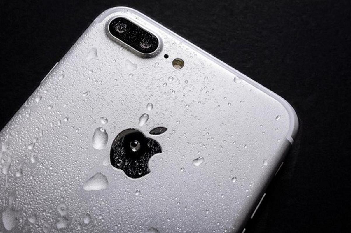 Rua bang voi hoa sen, camera truoc cua iPhone 12 bi mo-Hinh-12