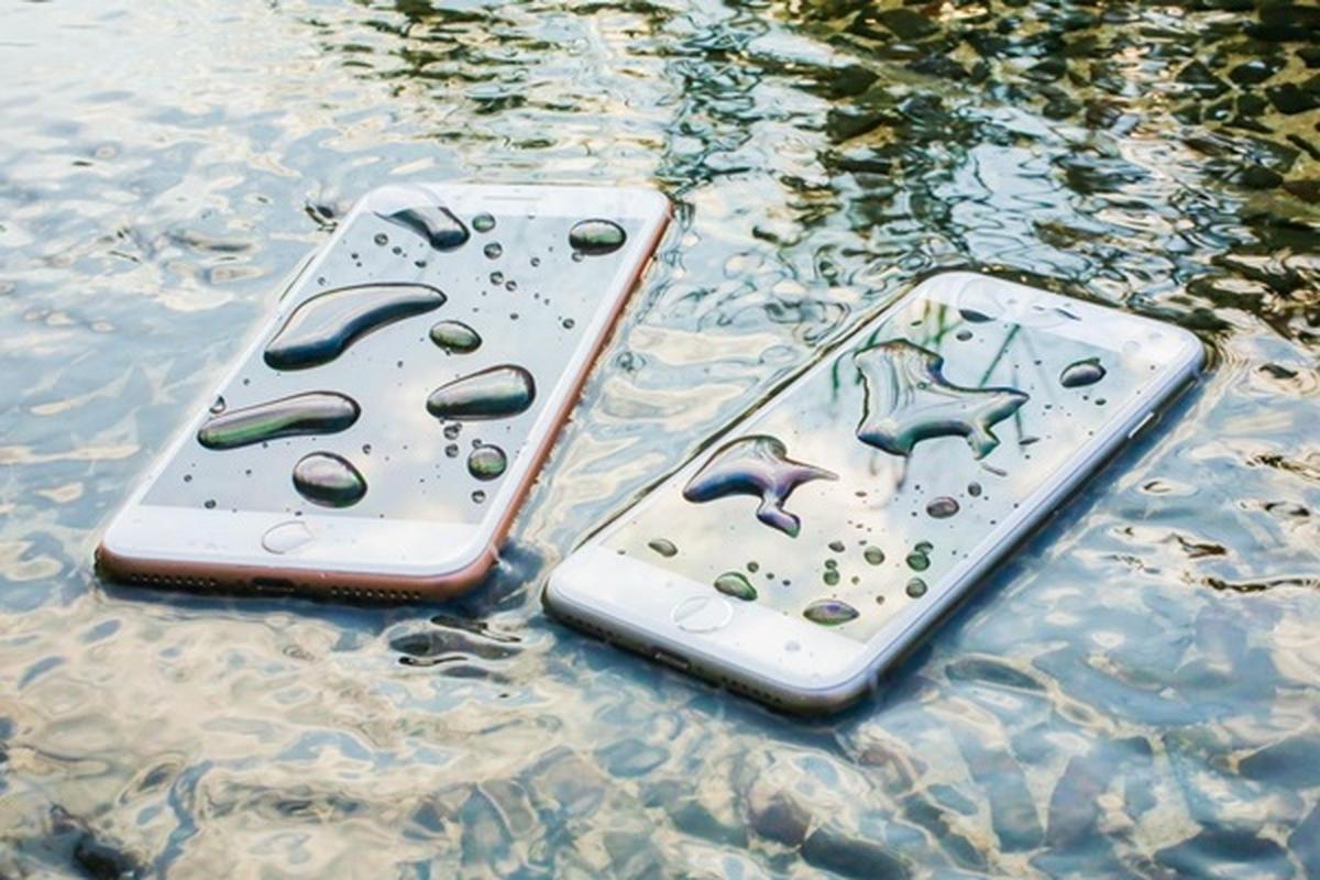 Rua bang voi hoa sen, camera truoc cua iPhone 12 bi mo-Hinh-6