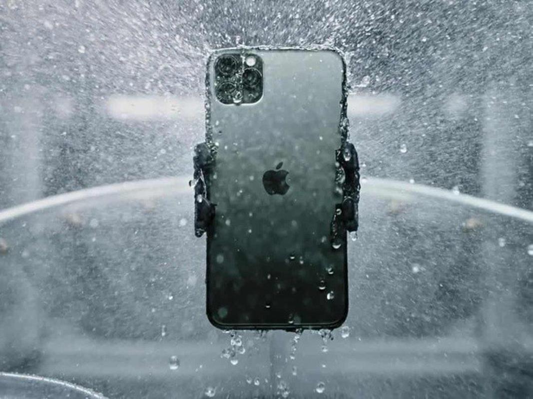 Rua bang voi hoa sen, camera truoc cua iPhone 12 bi mo-Hinh-7
