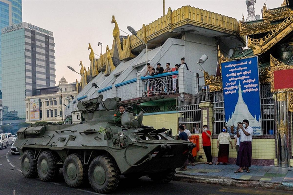 Facebook ngung hoat dong o Myanmar do bien co chinh tri-Hinh-10