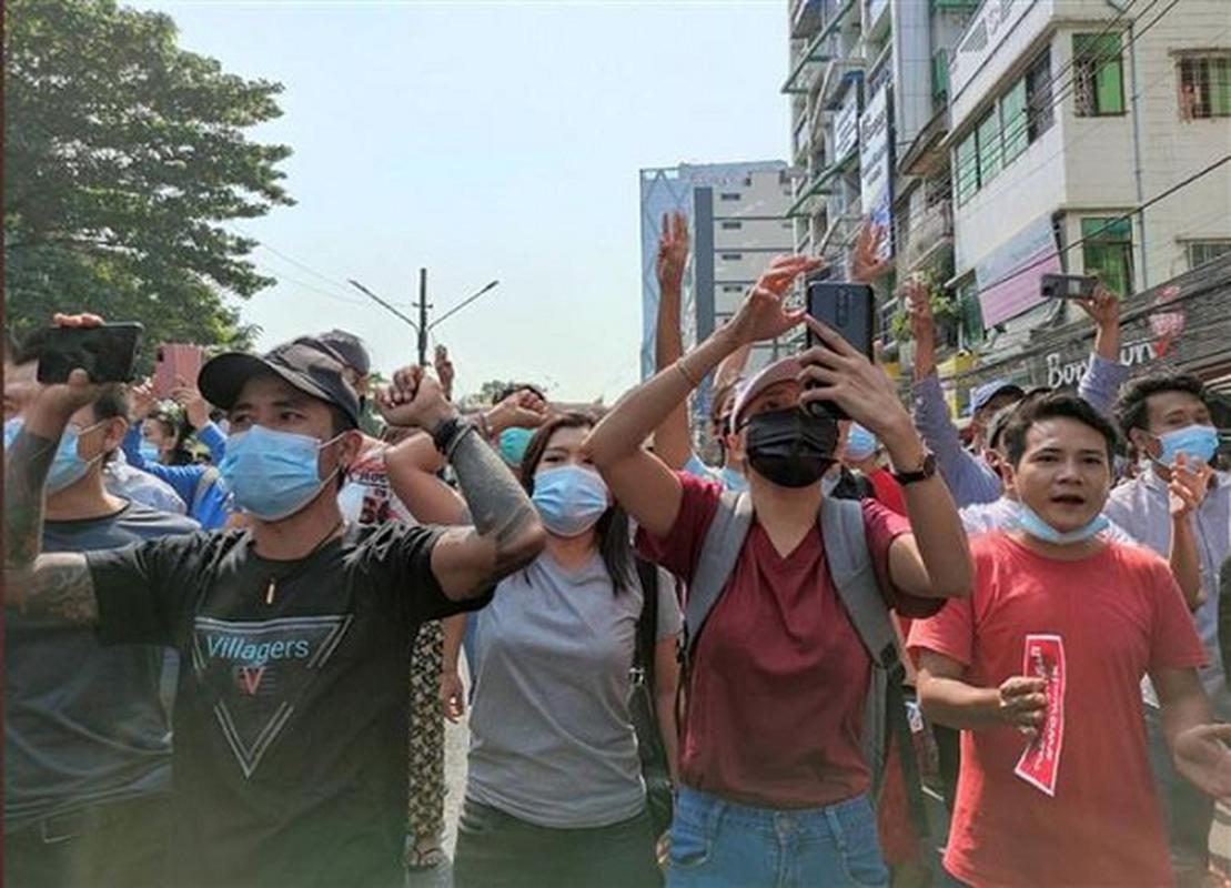 Facebook ngung hoat dong o Myanmar do bien co chinh tri-Hinh-12