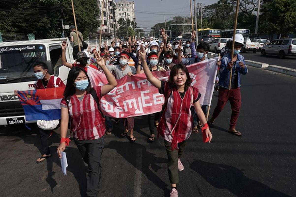 Facebook ngung hoat dong o Myanmar do bien co chinh tri-Hinh-4