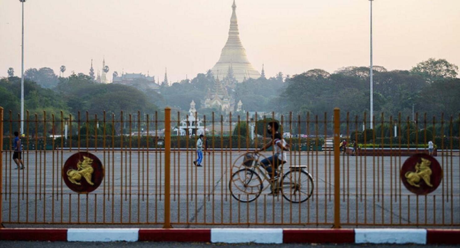 Facebook ngung hoat dong o Myanmar do bien co chinh tri-Hinh-8