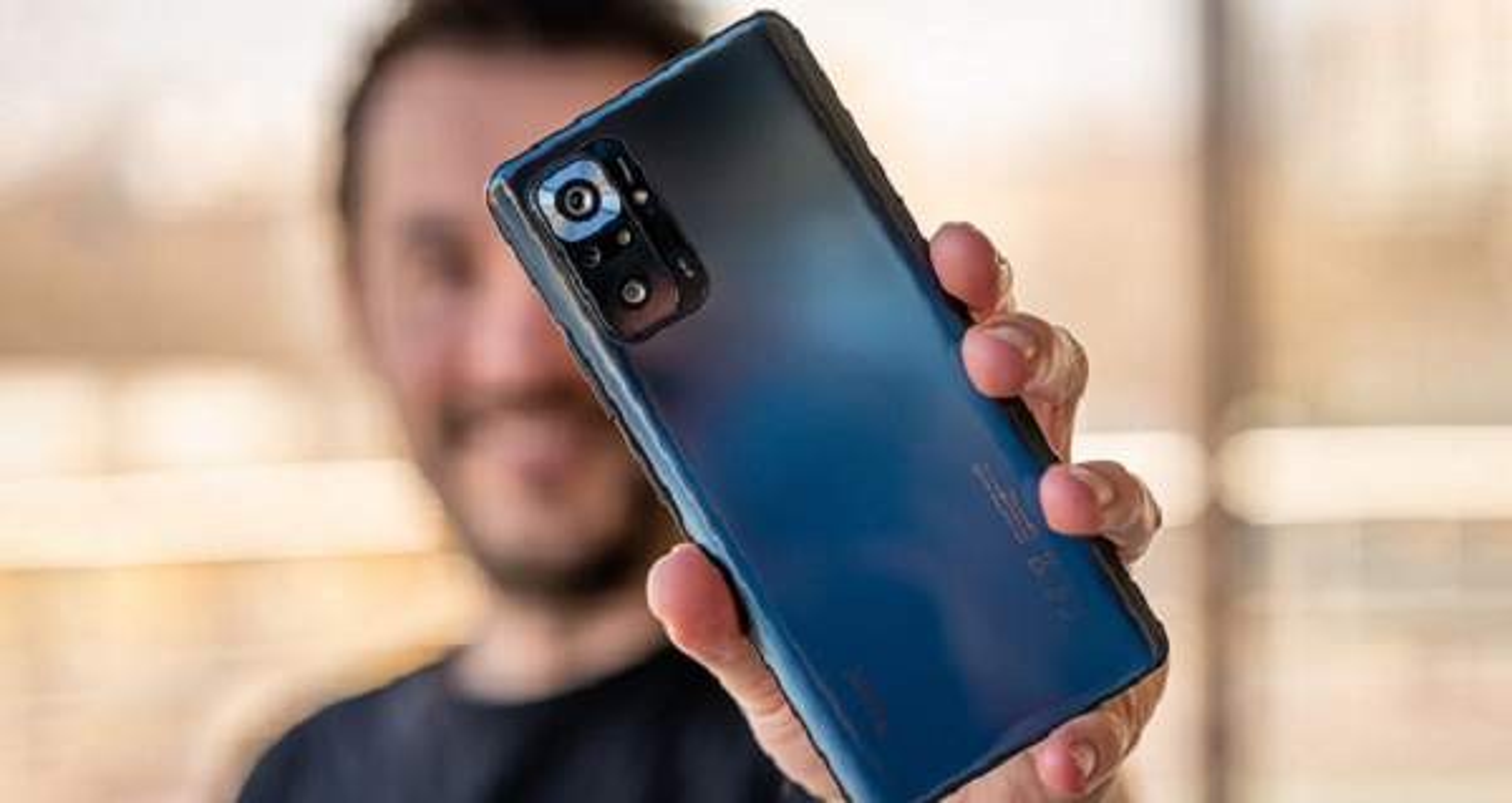 "Can canh cap doi smartphone gia re camera ""sieu khung"""