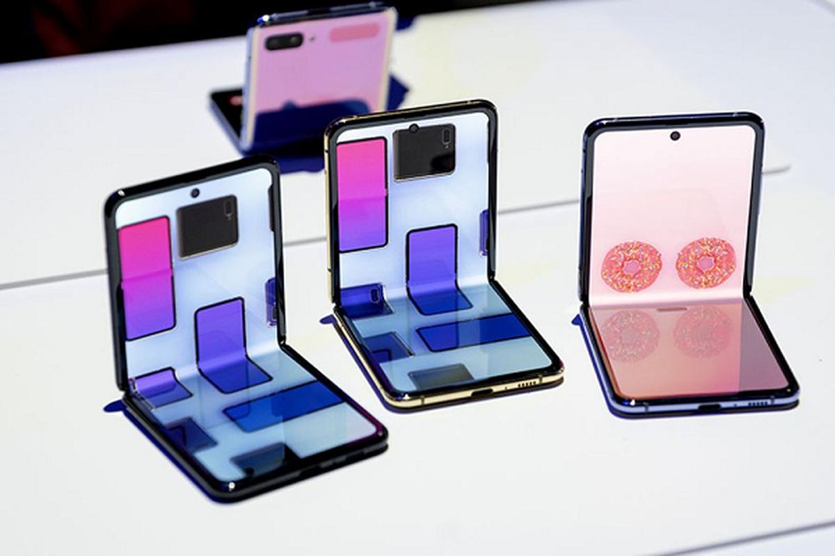 iPhone man hinh gap dep xuat than, an dut cong nghe cua Samsung-Hinh-10