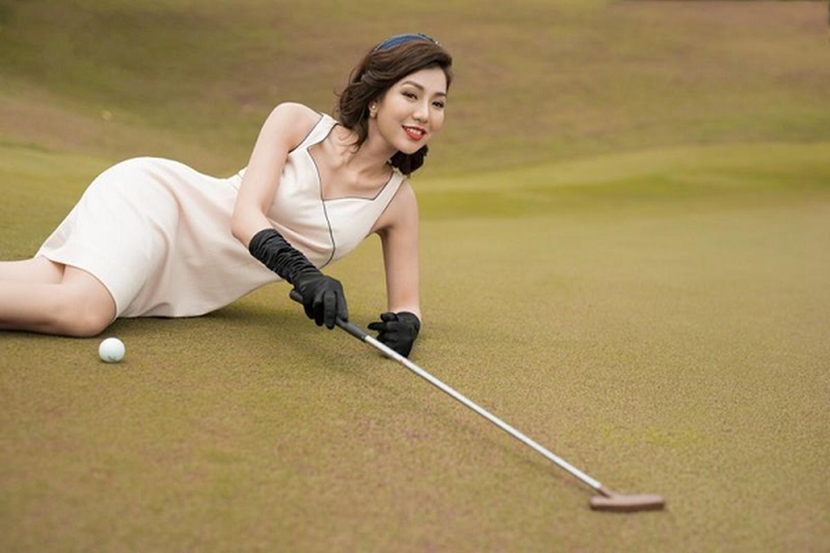 "Nhan sac goi cam den ""rung tim"" cua nu golfer xinh dep nhat Viet Nam"