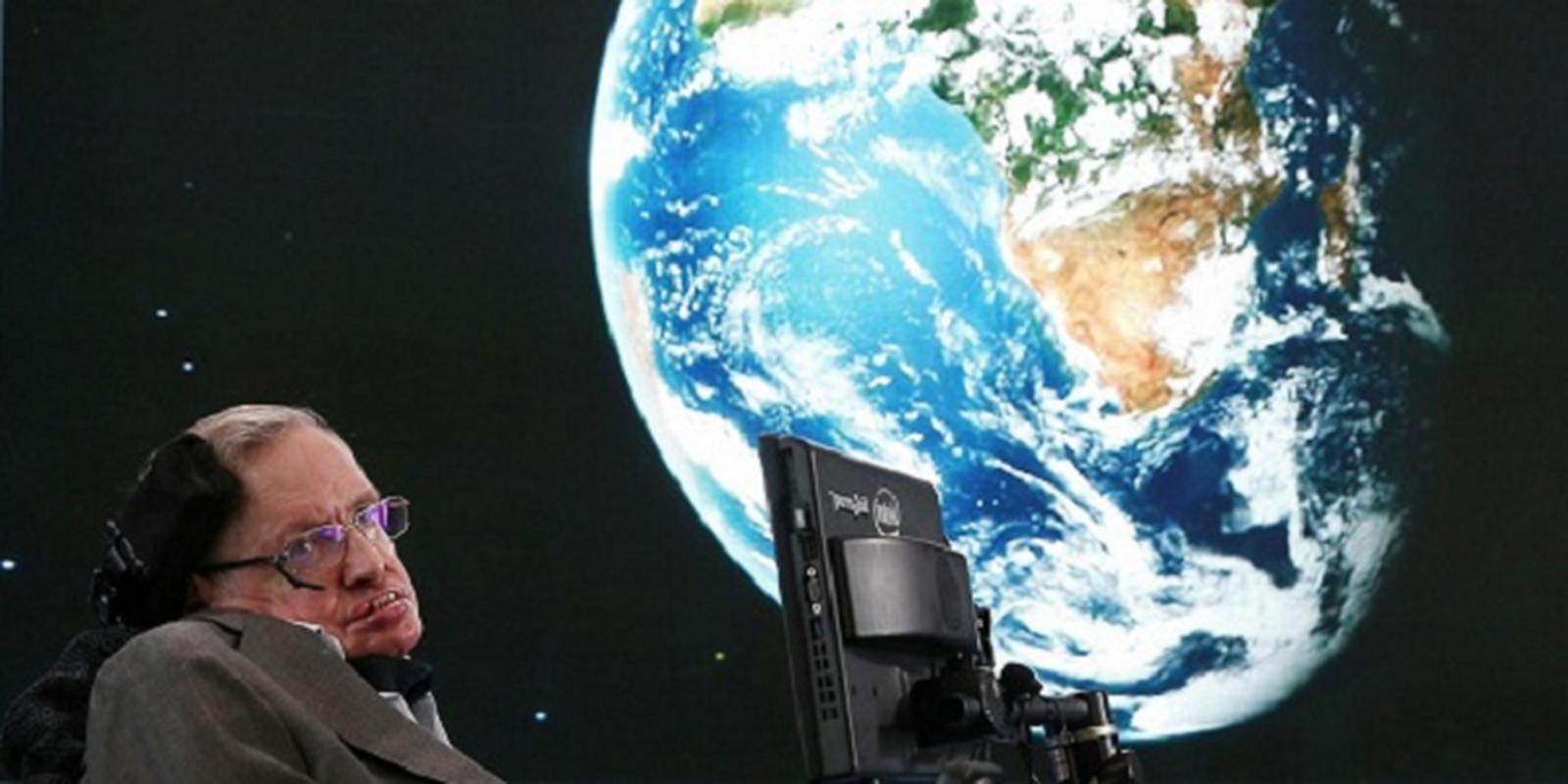 Thien tai Hawking muon loai nguoi nhanh chong roi khoi Trai dat