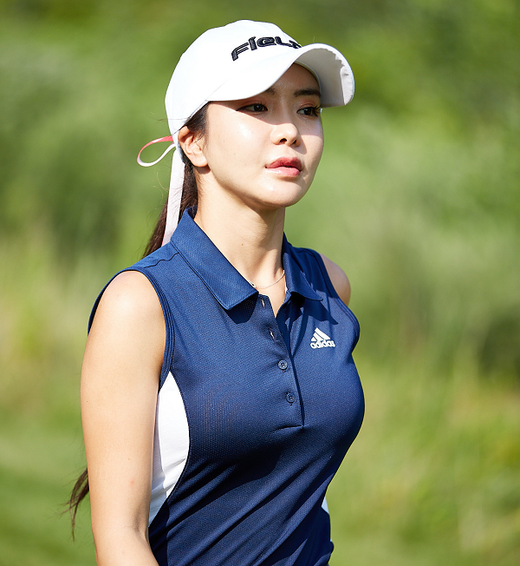 """Thanh nu golf"" khien cu dan mang Nhat Ban san lung rao riet-Hinh-12"