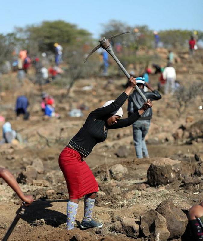 Thu khien hang nghin dan Nam Phi do xo dao hoa ra cuc re tien-Hinh-6