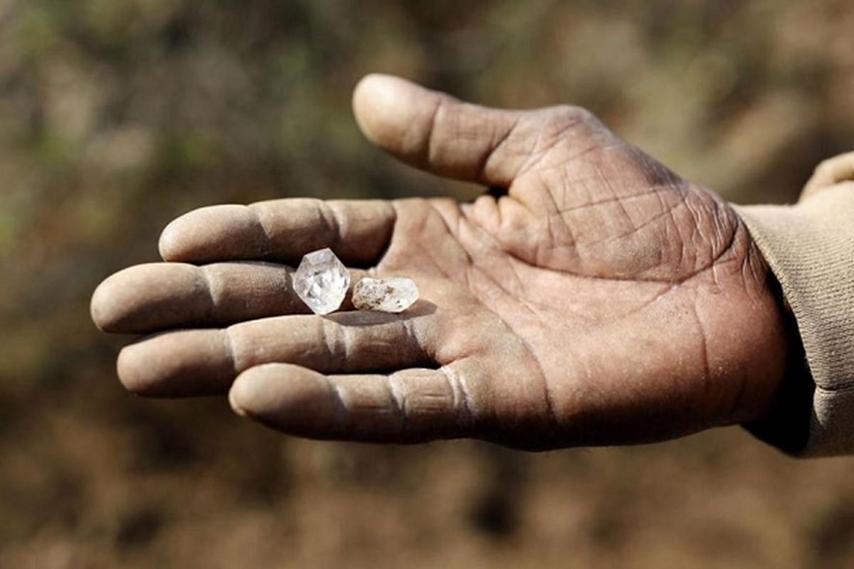 Thu khien hang nghin dan Nam Phi do xo dao hoa ra cuc re tien