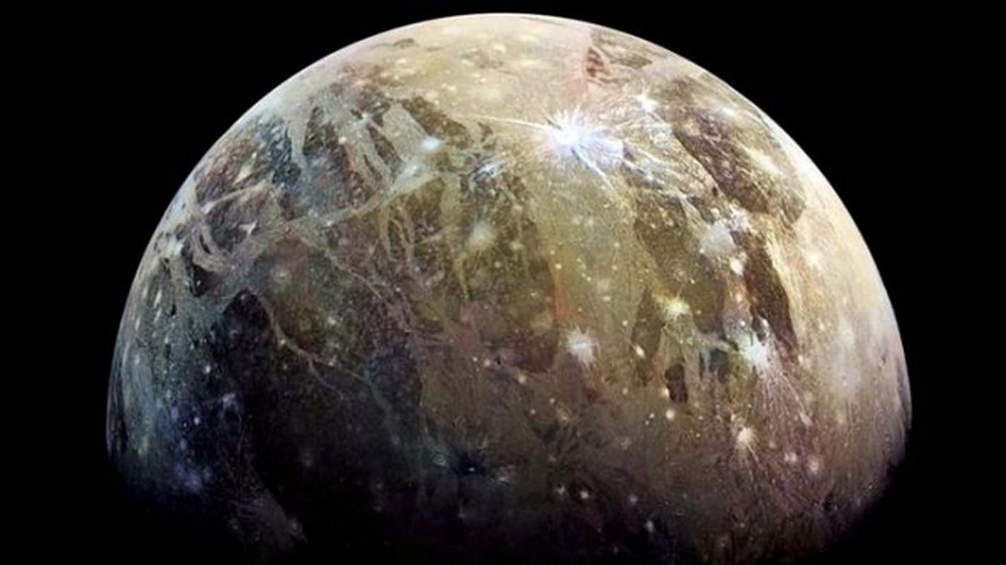 "Giat minh dau hieu o ""sieu mat trang"" NASA nghi ngo co su song-Hinh-12"