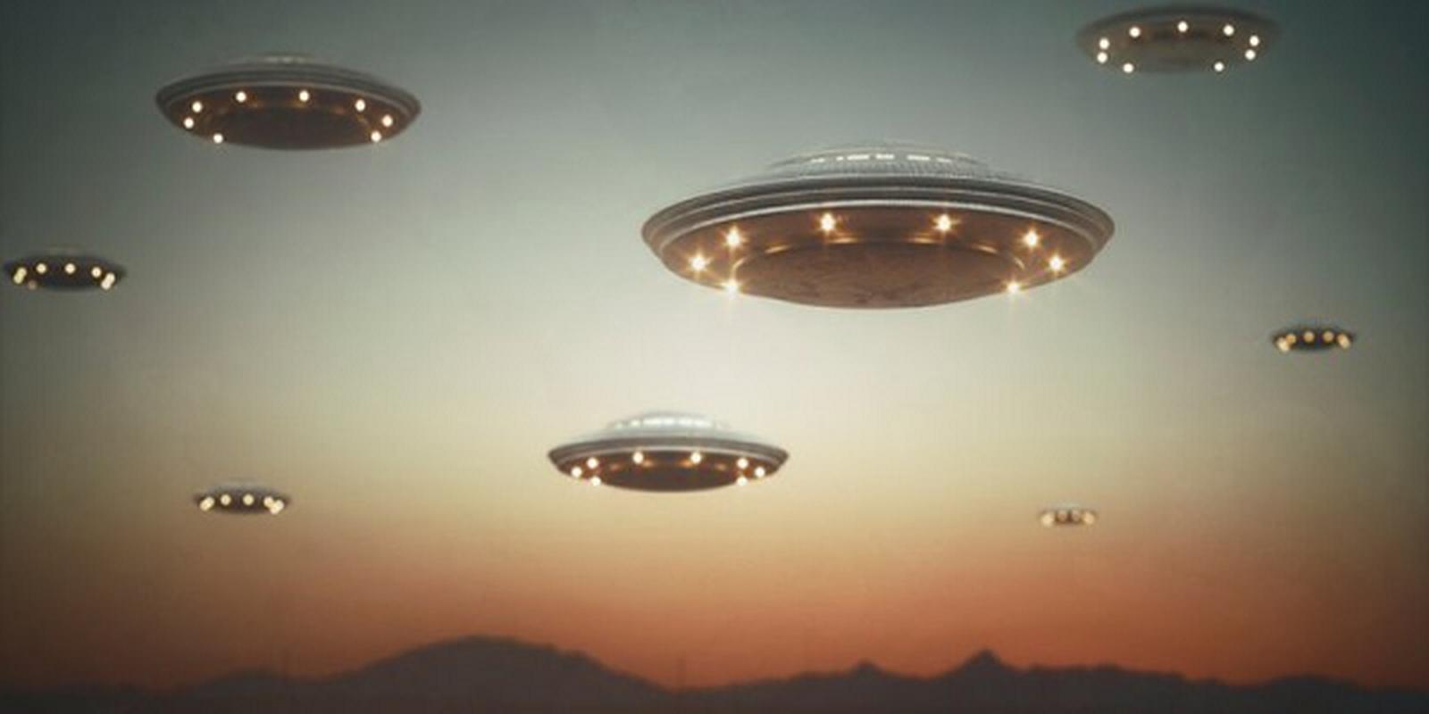 Tiet lo soc: UFO troi len tu day bien khien con nguoi kho