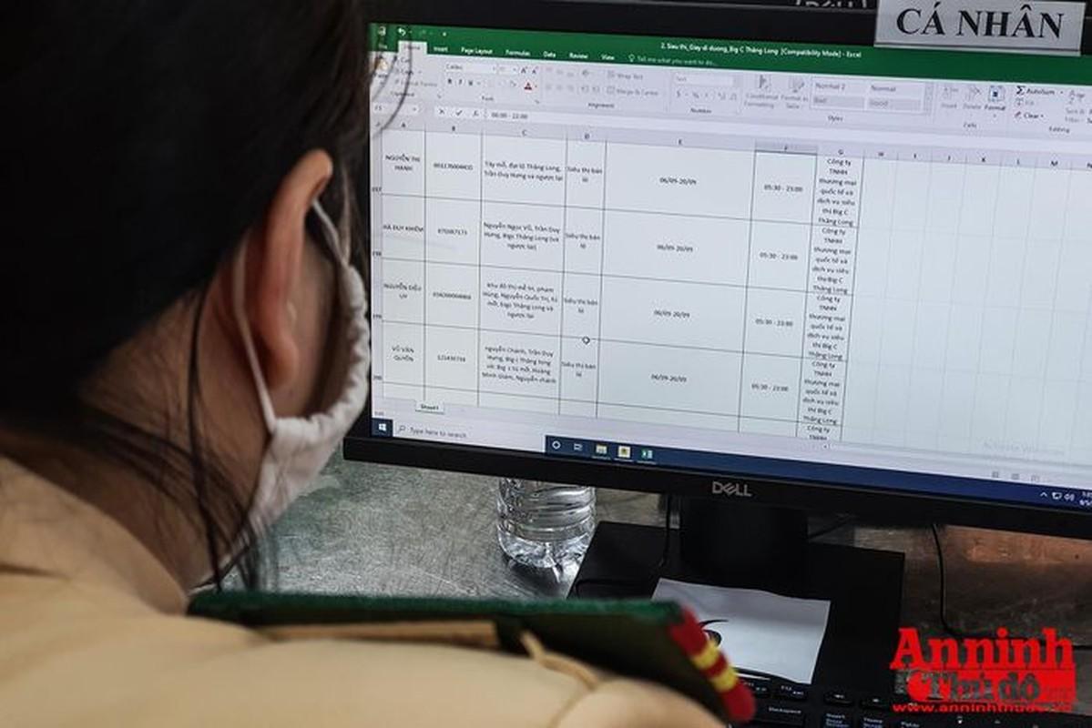 Can canh giay di duong QR code dau tien duoc cap o Phong CSGT - CATP Ha Noi-Hinh-6