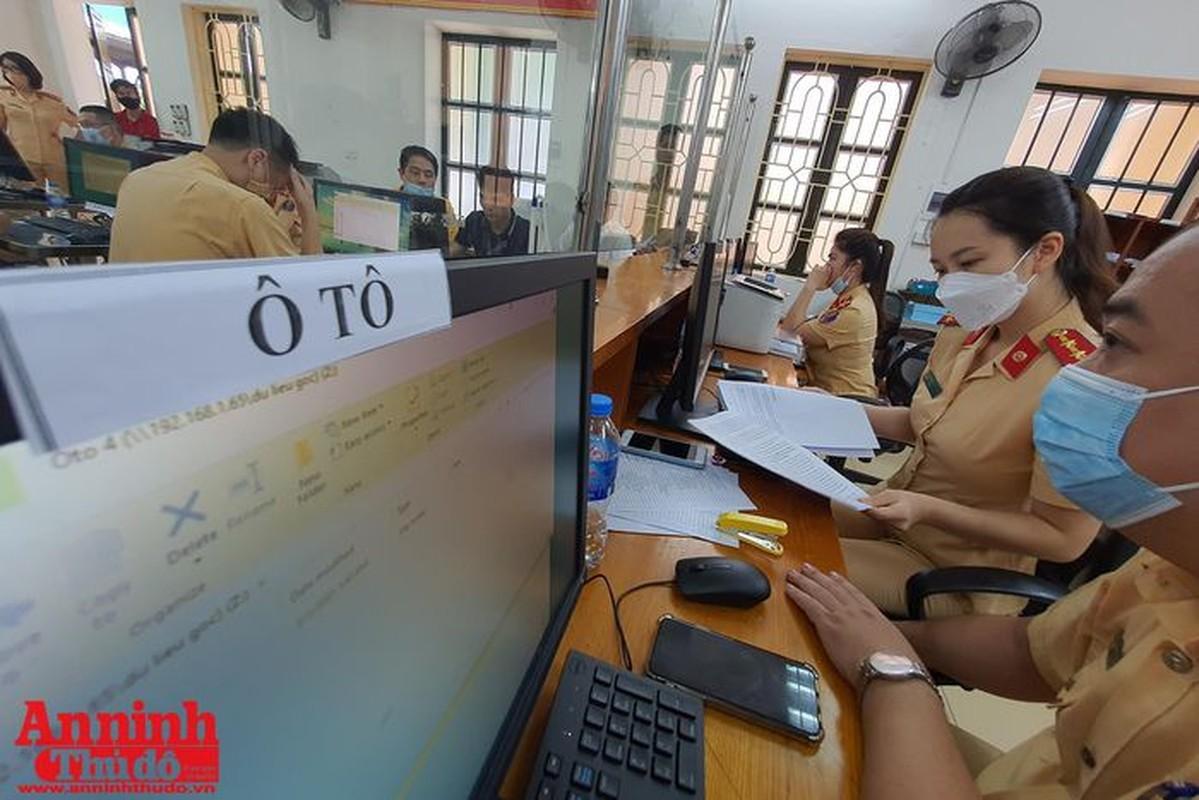Can canh giay di duong QR code dau tien duoc cap o Phong CSGT - CATP Ha Noi-Hinh-7