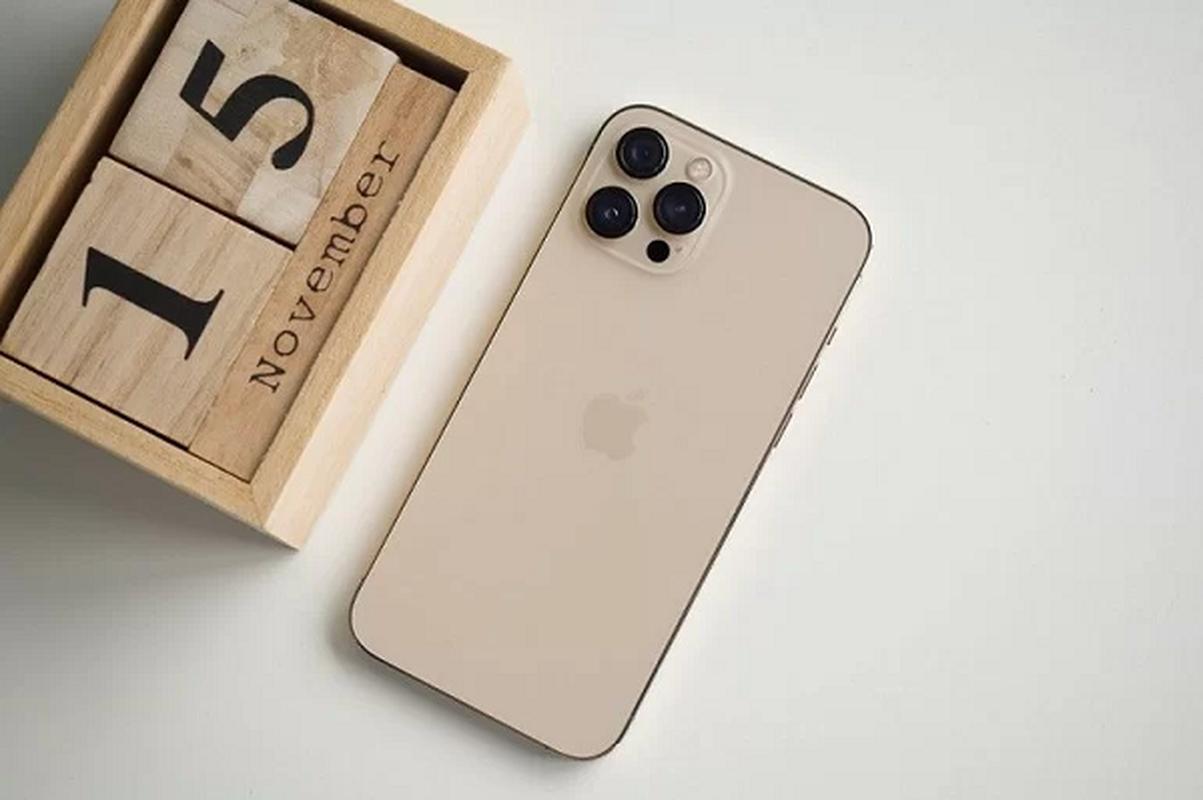Cuc nong: iPhone 13 de doi mat lenh cam vi tinh nang hoanh trang nay?-Hinh-9