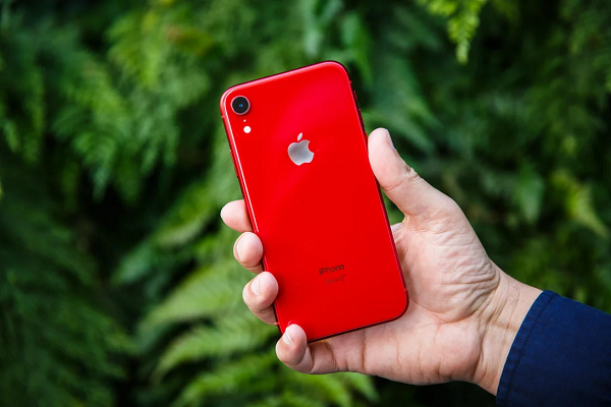 "Apple lap tuc ""khai tu"" 3 mau iPhone nao khien iFan tiec hui hui?-Hinh-6"
