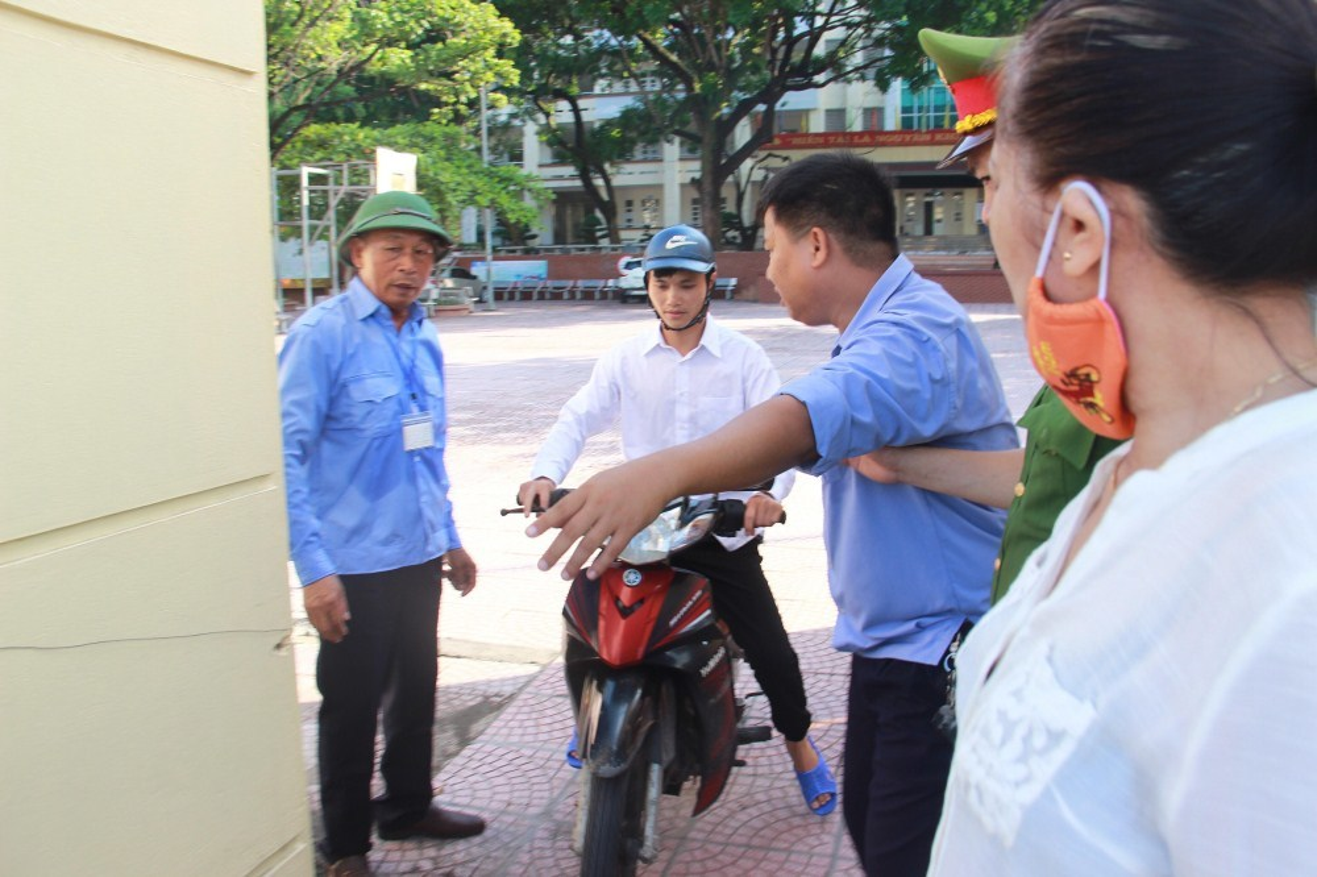 Nhung thi sinh dac biet trong ky thi THPT quoc gia 2019-Hinh-9