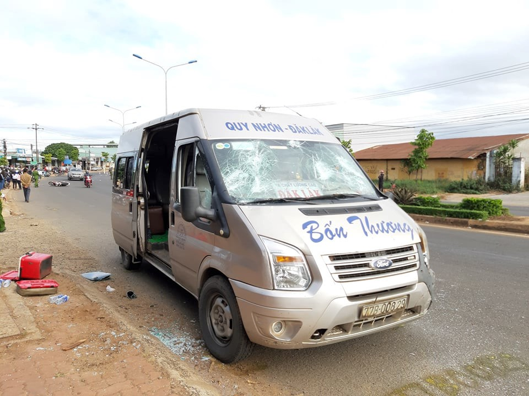 Kinh hoang nhung vu xe khach tai nan trong nam 2019