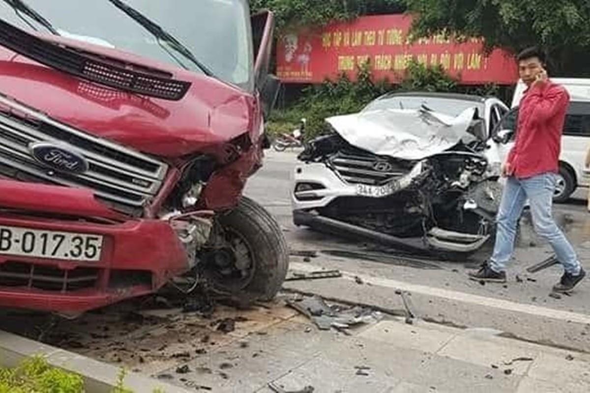 Kinh hoang nhung vu xe khach tai nan trong nam 2019-Hinh-36