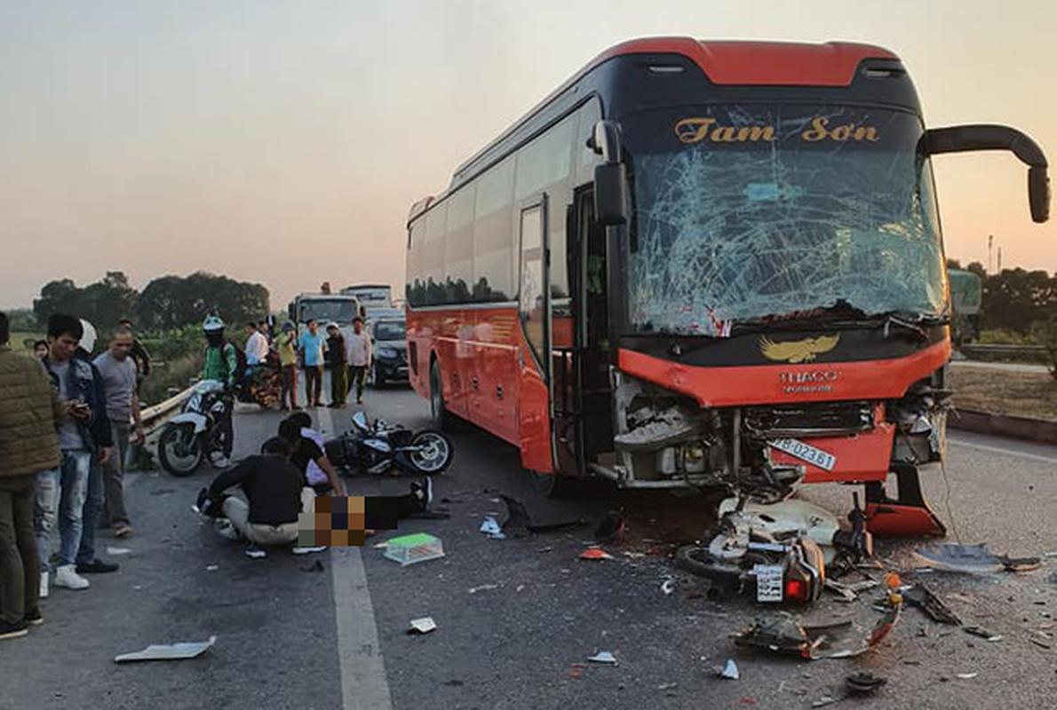 Kinh hoang nhung vu xe khach tai nan trong nam 2019-Hinh-37
