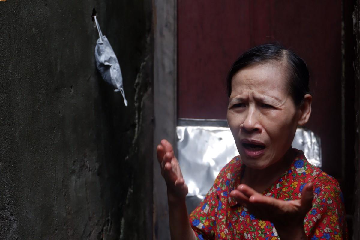 """Vu muong thoi ngap rac thai: Nguoi dan """"hut hang"""" vi dang thi cong quan bat dung?-Hinh-13"""