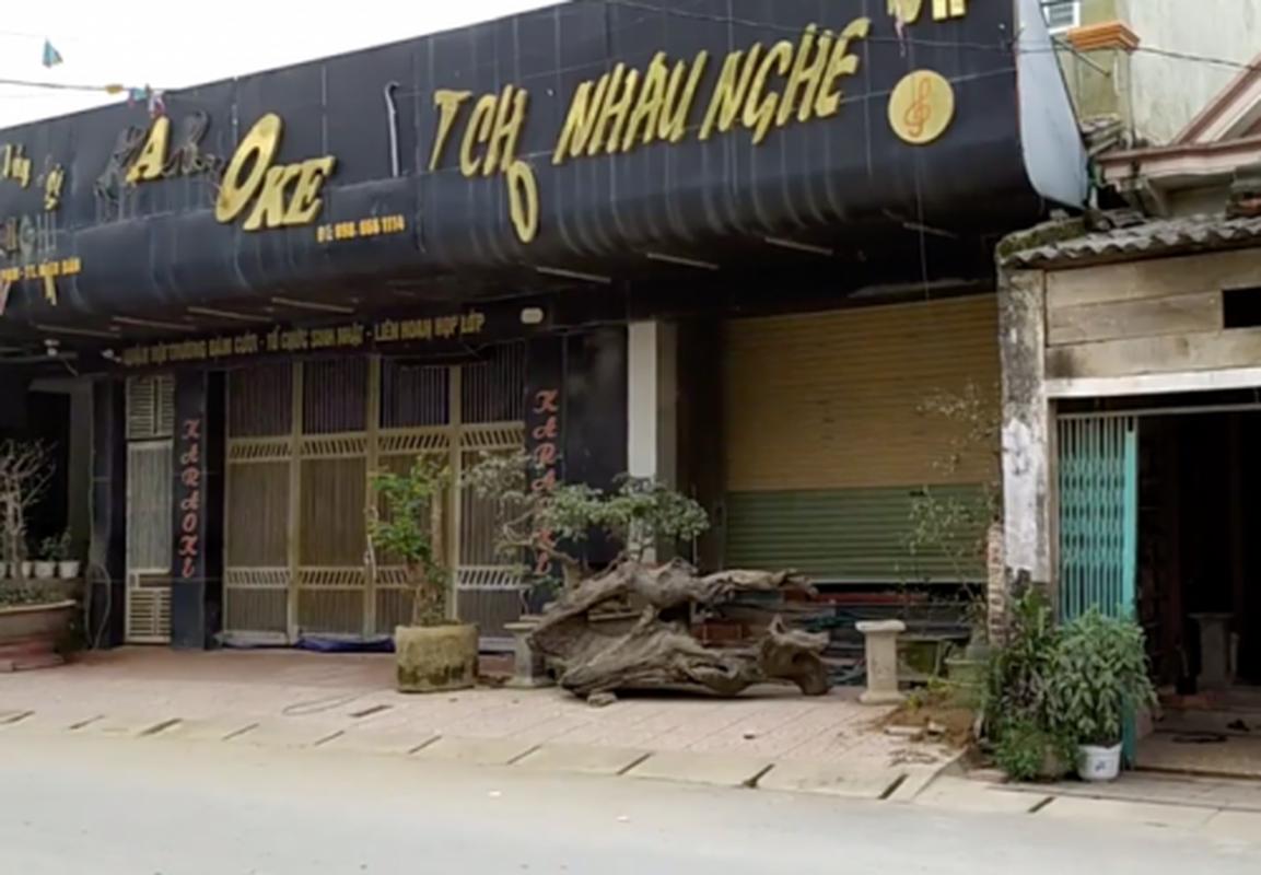 """Pha soi bac """"khung"""" trong quan karaoke: Du chieu tro cua ke """"khat nuoc"""""""