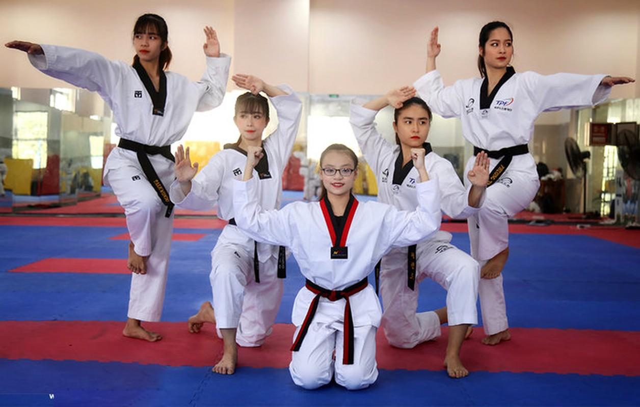 'Hotgirl lang vo' Chau Tuyet Van chia se ve nhung cai tet vang nha-Hinh-3