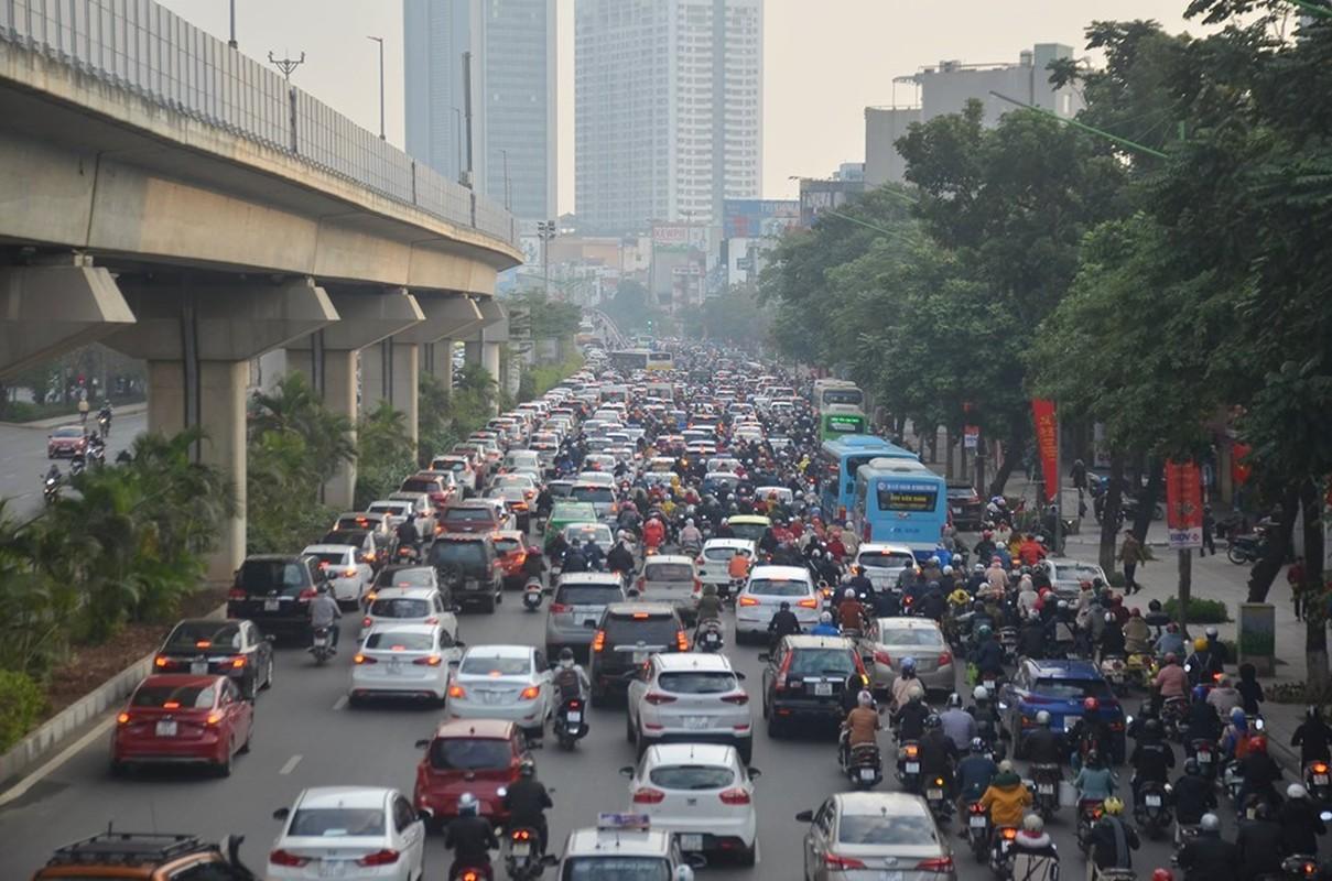 Can canh duong pho Ha Noi dong duc sau ky nghi Tet Nguyen dan 2020-Hinh-2