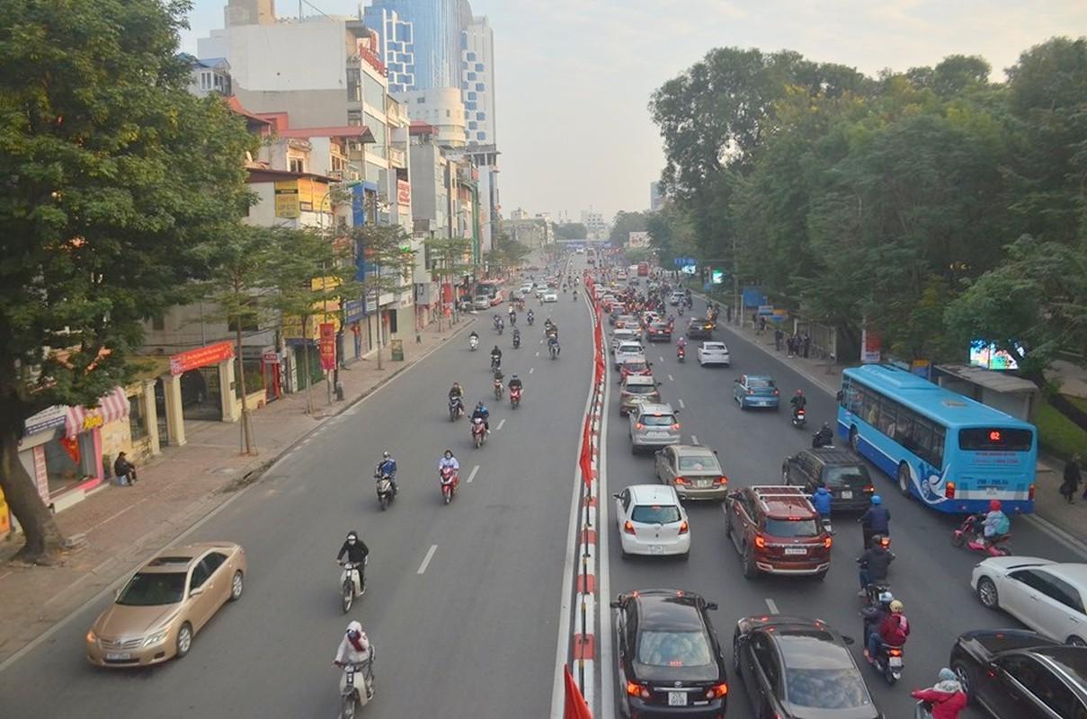 Can canh duong pho Ha Noi dong duc sau ky nghi Tet Nguyen dan 2020-Hinh-4