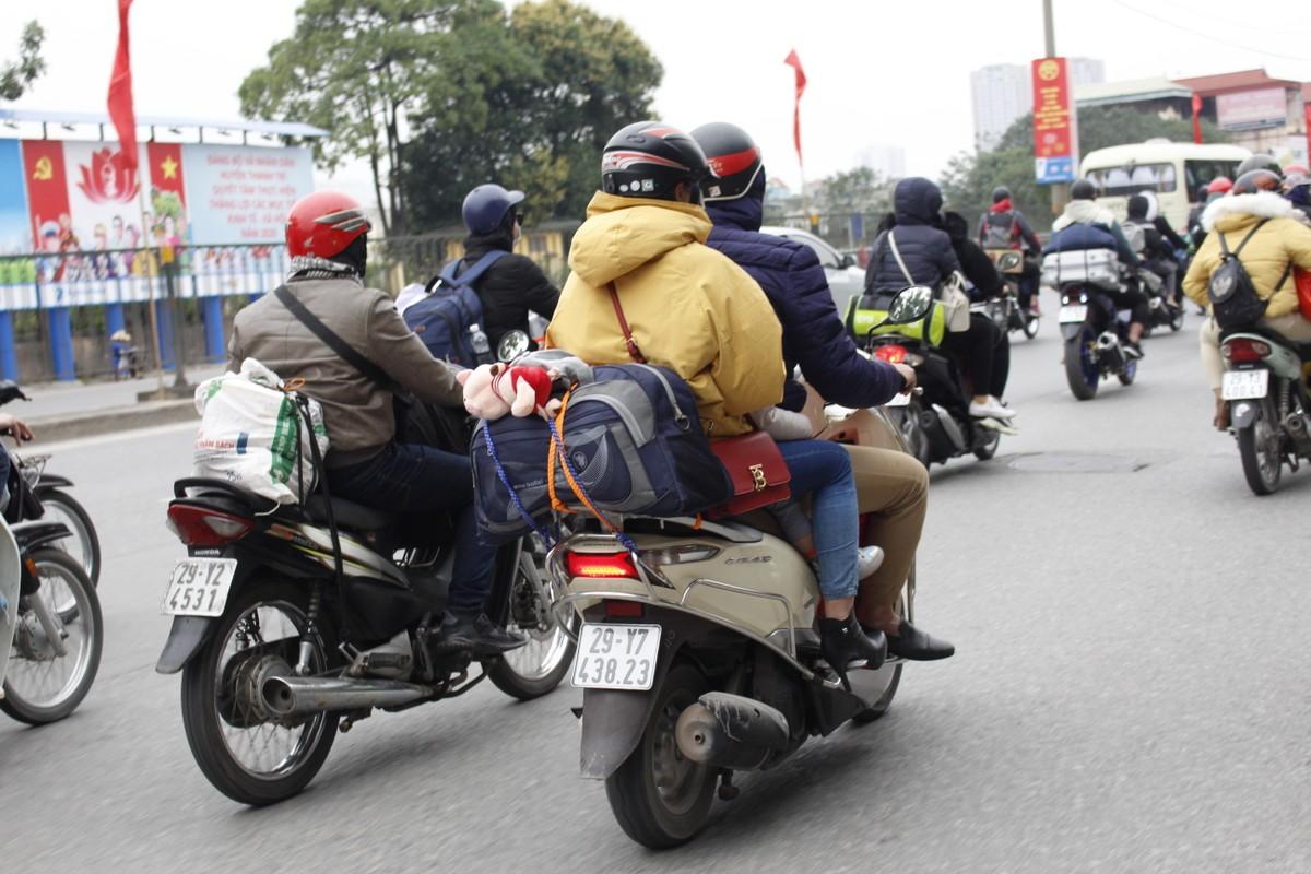 Can canh duong pho Ha Noi dong duc sau ky nghi Tet Nguyen dan 2020-Hinh-6