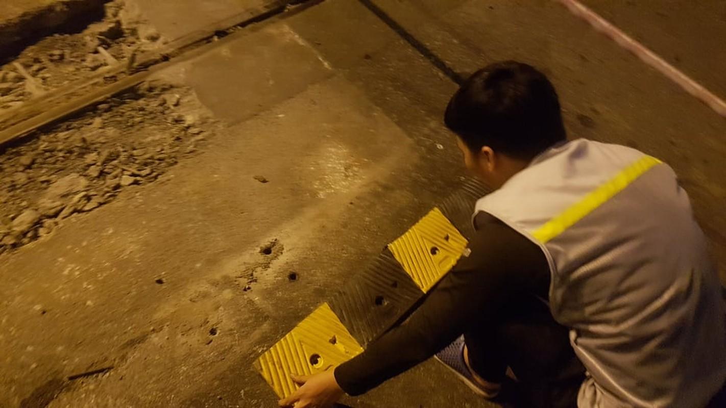 """""""Ham chong"""" tren duong vanh dai 3: Don vi thi cong thao"""