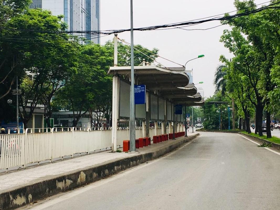 Hinh anh Ha Noi on ao, nao nhiet thuong thay bien mat vi COVID-19-Hinh-5