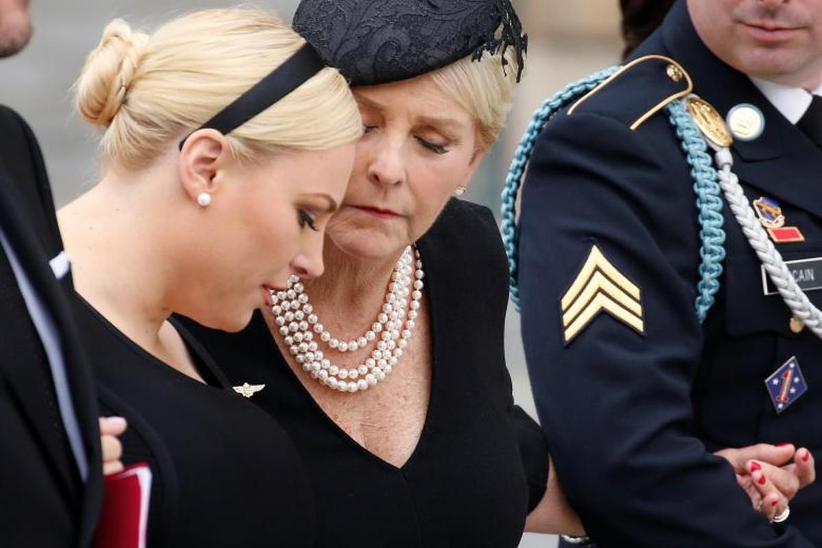 Can canh cac chinh tri gia My trong le tang TNS John McCain-Hinh-11