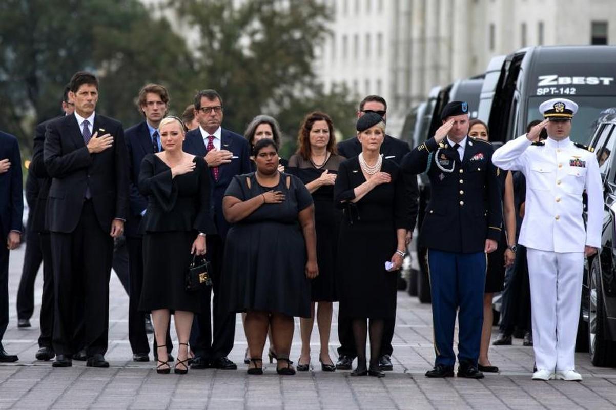 Can canh cac chinh tri gia My trong le tang TNS John McCain-Hinh-2