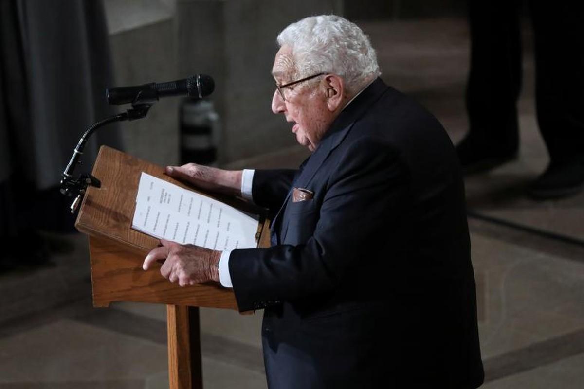 Can canh cac chinh tri gia My trong le tang TNS John McCain-Hinh-9