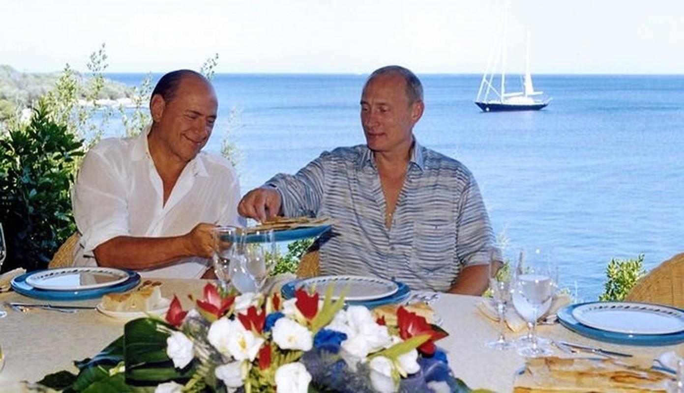 """Cac dau hieu khien phuong Tay nghi Tong thong Putin giau """"kech xu""""-Hinh-4"""