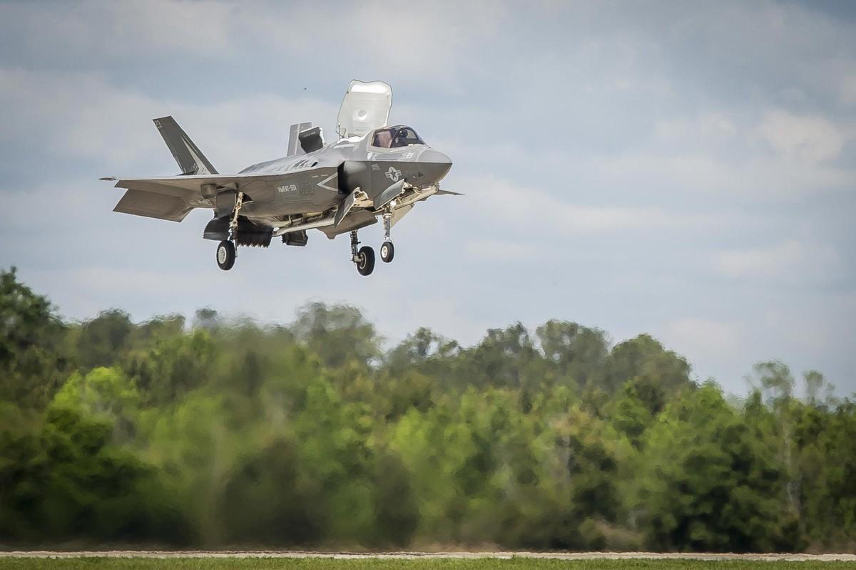 Tiem kich F-35 vua co ton that cuc lon sau 17 nam ton tai-Hinh-2