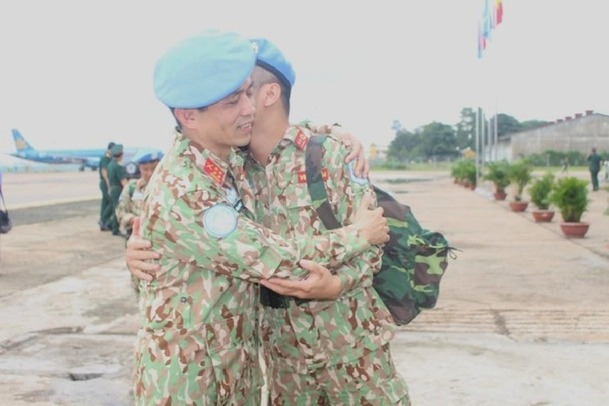 Ngam doi quan y Viet Nam tham gia gin giu hoa binh quoc te-Hinh-9
