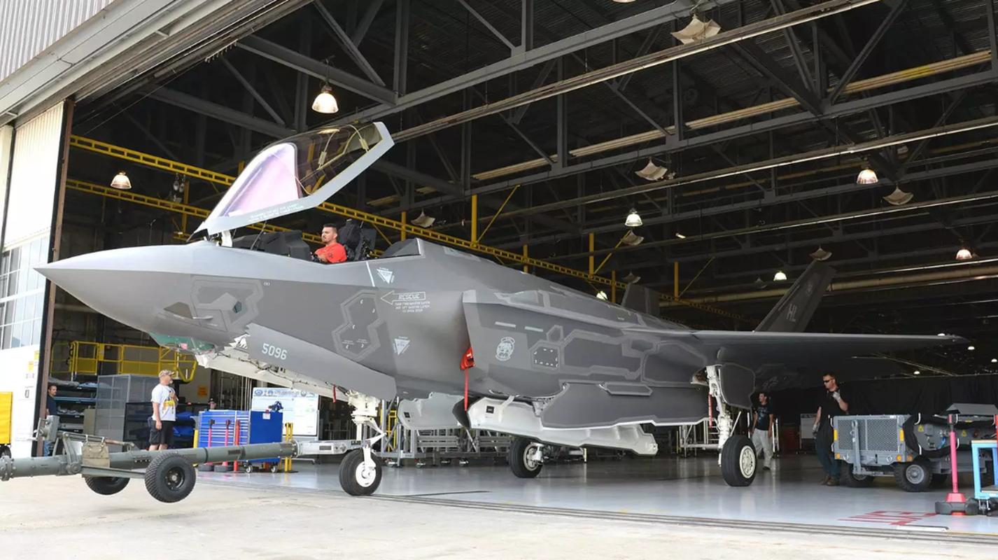 F-35 ngung bay tren toan the gioi va nghi an phu tung Trung Quoc-Hinh-9