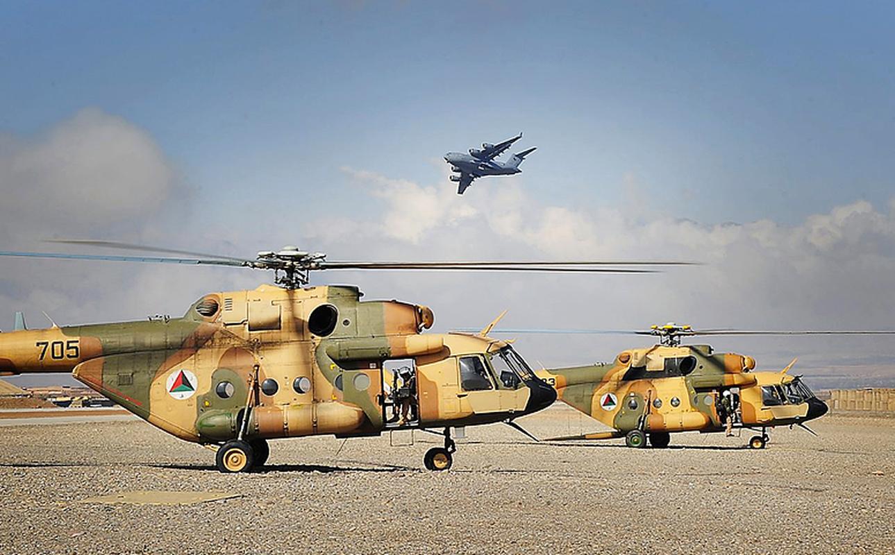 Roi truc thang quan su o Afghanistan, moi con mat do don ve Mi-17-Hinh-5