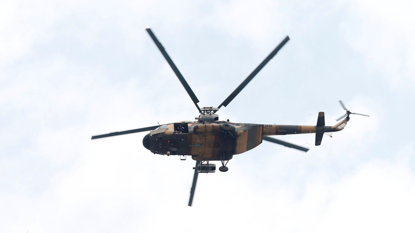 Roi truc thang quan su o Afghanistan, moi con mat do don ve Mi-17